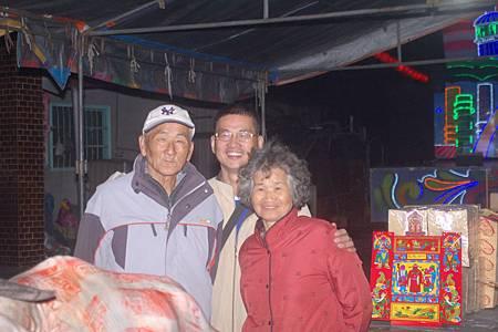2014年12月4日雲林草湖鄭侯府迎五年王前一天叩謝神恩 (52).JPG