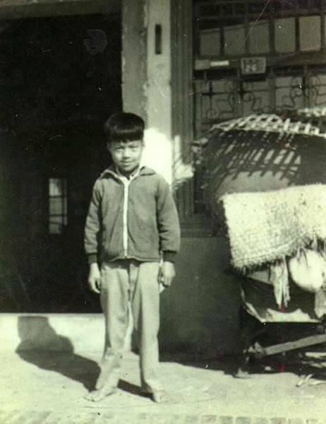 小時候--乾哥哥拍的.jpg