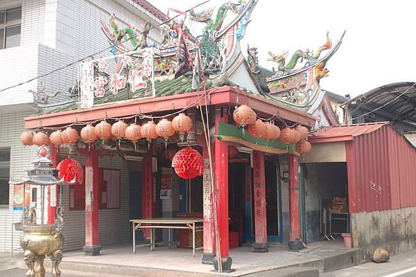 2006年雲林刺桐六合仁和宮謝元帥 廟已重建 (2).JPG