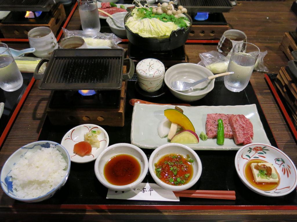 在日本的第一餐是日本前幾有名的飛驒牛