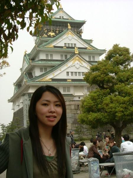 大阪城就在身後