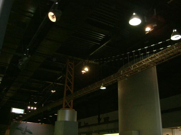 橋的科學館.在天花板上的明石大橋模型