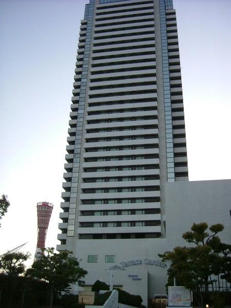 飯店在KOBE PORT TOWER旁