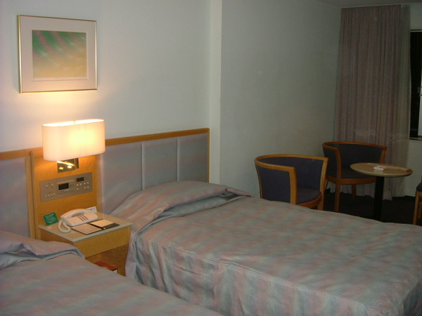 飯店房間床舖