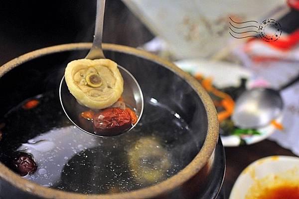 韓江館銅盤烤肉公館店人蔘雞湯