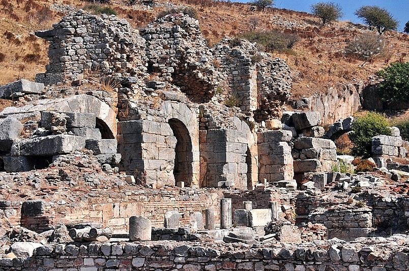 艾菲索斯古城:羅馬浴場