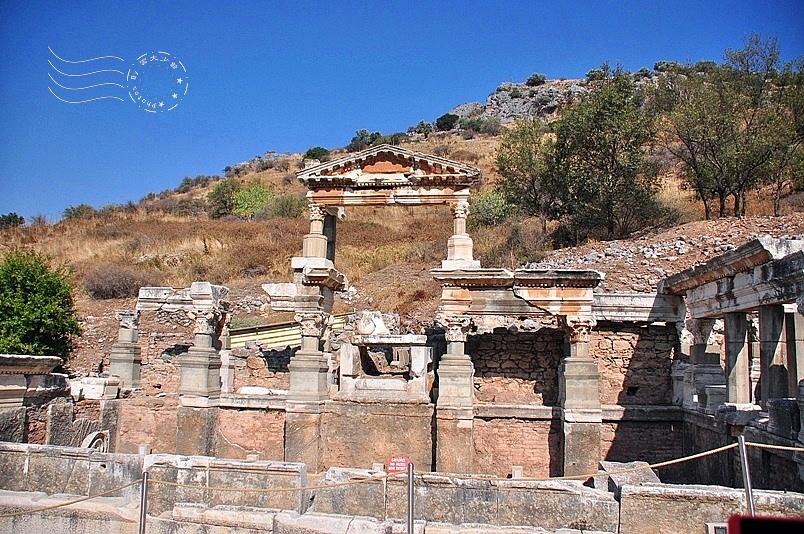 艾菲索斯古城:圖拉真噴泉