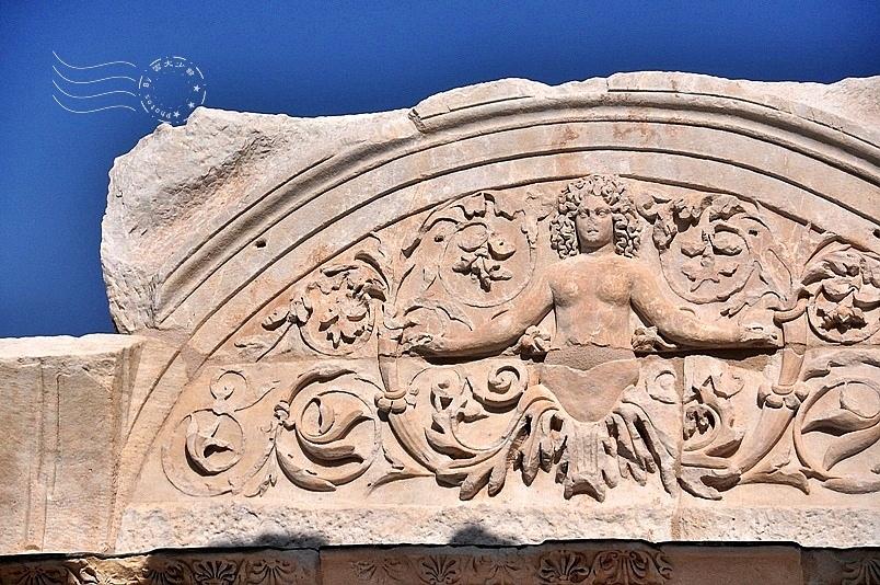 艾菲索斯古城:哈德良神殿