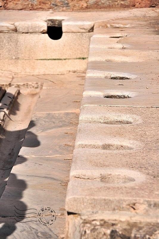 艾菲索斯古城:公共廁所