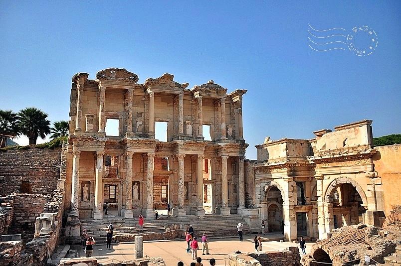 艾菲索斯古城:塞爾瑟斯圖書館