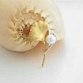銀杏珍珠胸針