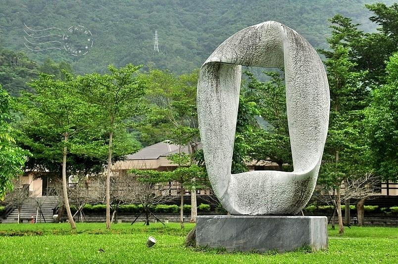 鯉魚潭石雕