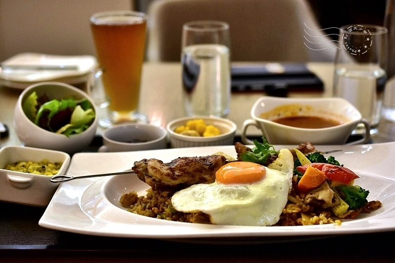 Trine&Zen火烤串燒雞肉搭印尼風味飯