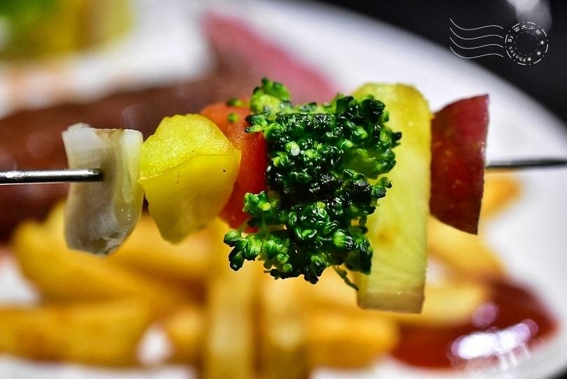 小惡魔炭燒牛排:蔬果串