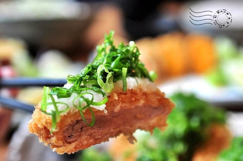 赤神日式豬排:蔥花蘿蔔腰內豬排