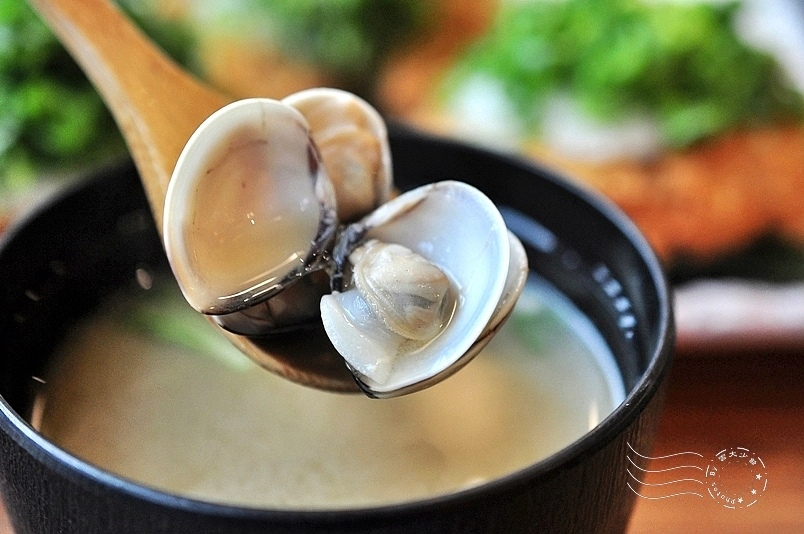 赤神日式豬排:蛤蜊味噌湯