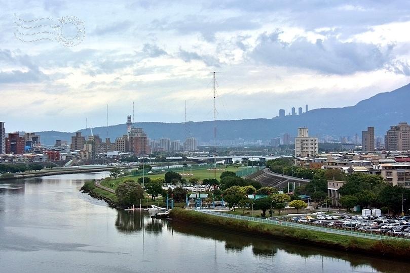 新北基隆河畔