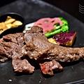 陶板屋:香蒜瓦片牛肉