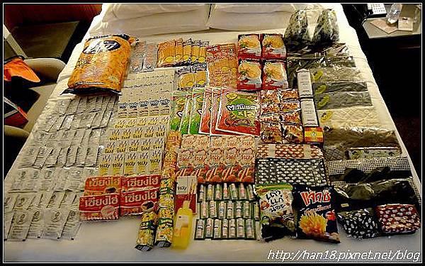 泰國戰利品-吃的 (1).jpg