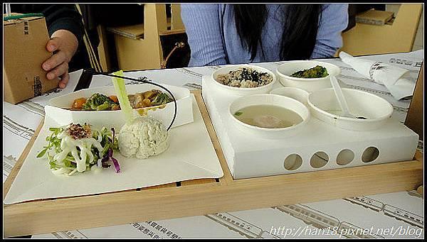 台中紙箱王火車餐廳 (39).jpg