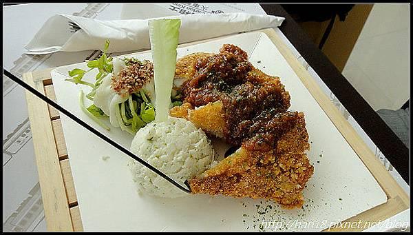 台中紙箱王火車餐廳 (42).jpg