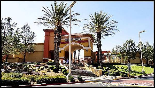 【美國】加州大型連鎖OUTLET~Desert Hills Premium Outlets (11)