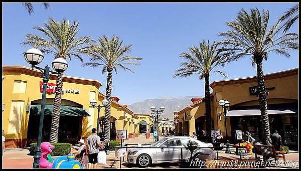 【美國】加州大型連鎖OUTLET~Desert Hills Premium Outlets (12)