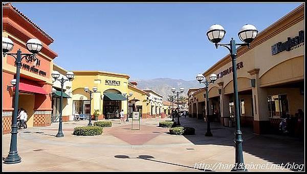 【美國】加州大型連鎖OUTLET~Desert Hills Premium Outlets (13)
