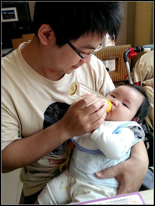 【寶寶外出】4M~6M。攜帶冷藏母奶及加溫方式 (9)