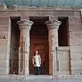 古埃及區-典德爾神殿,路人遊客當比例尺讓大家知道真的很大一座