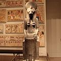 古埃及區-很特別的石雕,請注意他的頭部