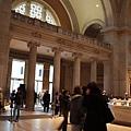 大都會美術館的大廳往入口處拍