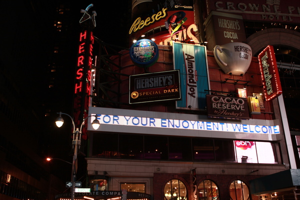 紐約時代廣場旁的HERSHEY'S賀喜巧克力專賣店