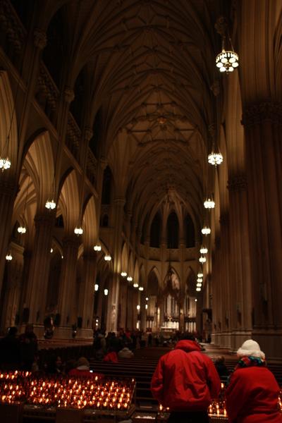 聖派區克大教堂內部非常莊嚴