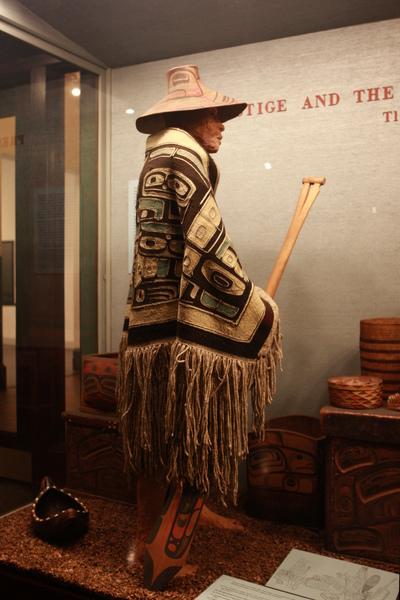 印地安文化區,我還蠻喜歡他身上披的那件毯子