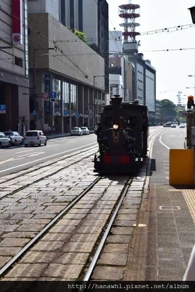 松山_電車.jpg