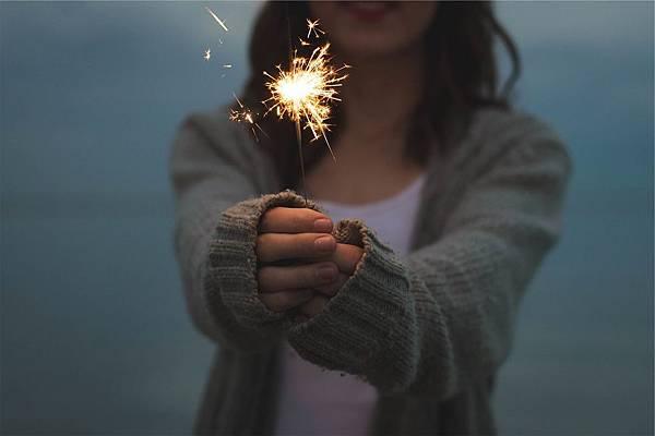 sparkler-677774_1280.jpg