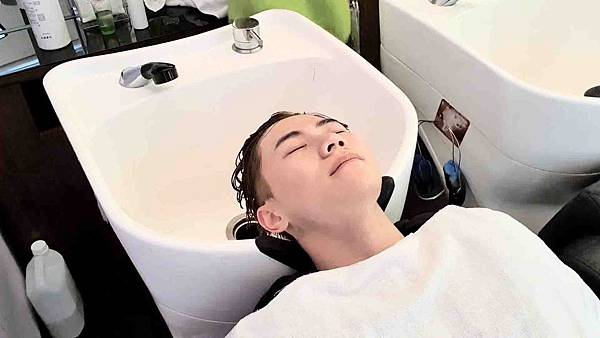 handkevinsome_馬克老師 V秀造型髮藝_染髮 (17)