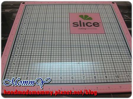 手作工具好物-SLICE Hands Free Kit 固定墊=手作MommY.jpg