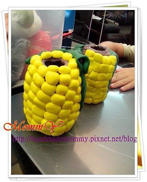 2013.08.23玉米小筆筒.jpg