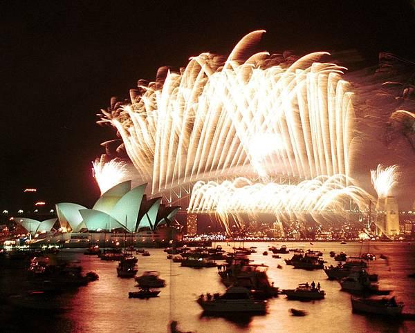 澳洲_新南威爾斯州_雪梨_雪梨歌劇院煙火_123RF.jpg