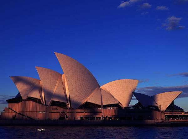 澳洲_新南威爾斯州_雪梨_雪梨歌劇院_shutterstock_376029001.jpg
