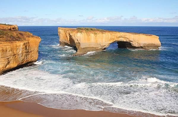 澳洲_維多利亞州_大洋路_倫敦橋_shutterstock_1366109.jpg