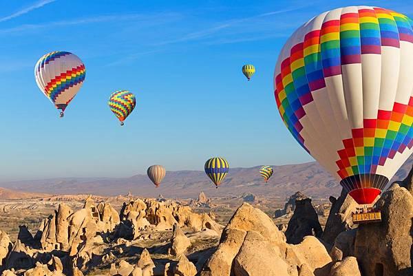 土耳其_安納托利亞_卡帕多奇亞_熱氣球_shutterstock_228976384.jpg