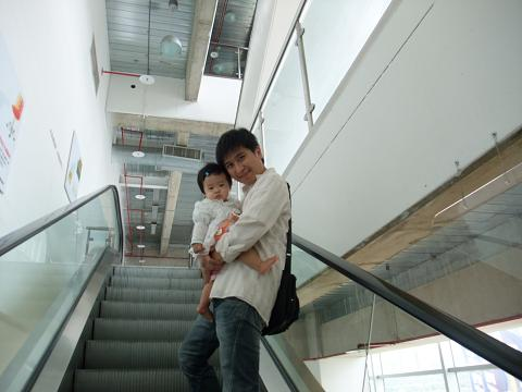 IKEA的電扶梯會不會太多了?