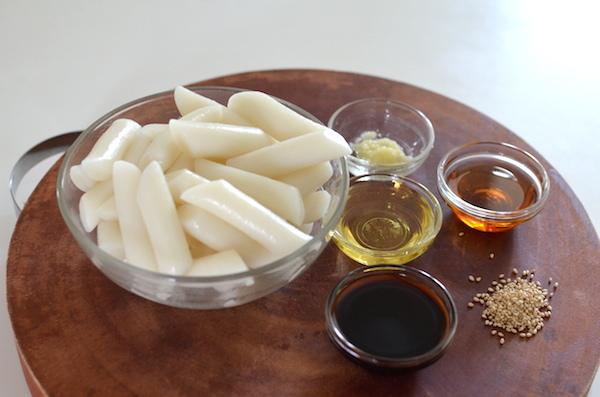 「食譜」 超有名韓國美食通仁市場油炒年糕, 기름떡볶이 by 韓國餐桌