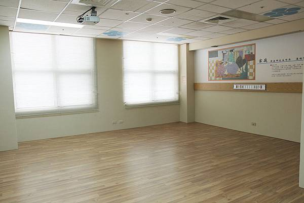 媽媽教室-韻律教室-2.jpg