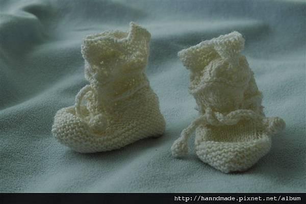 送給新生娃兒的小襪子