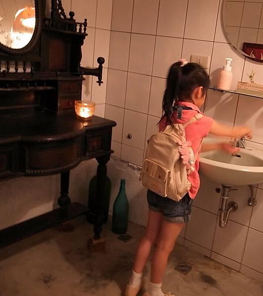 廁所也那麼有特色就是了