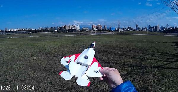 F-22藍天大風擷圖-06ce.jpg